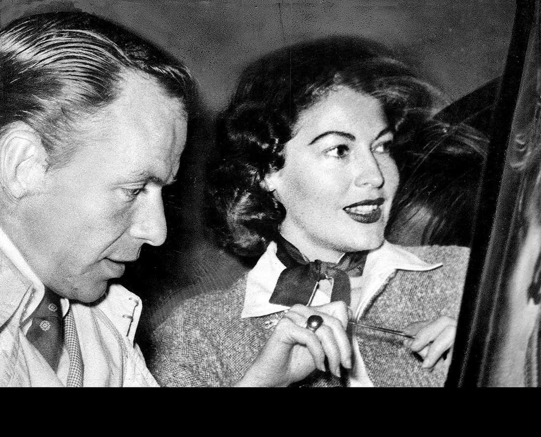 Ava Gardner och Frank Sinatra Många i Sverige var mycket upprörda över att Frank Sinatra lämnat sin fru Nancy och barnen för sin nya kärlek Ava Gardner, de gifte sig i november 1951.