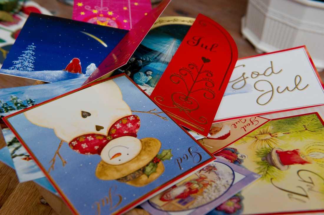 Antalet julkort som skickas via posten har minskat ytterligare till i år. Arkivbild.