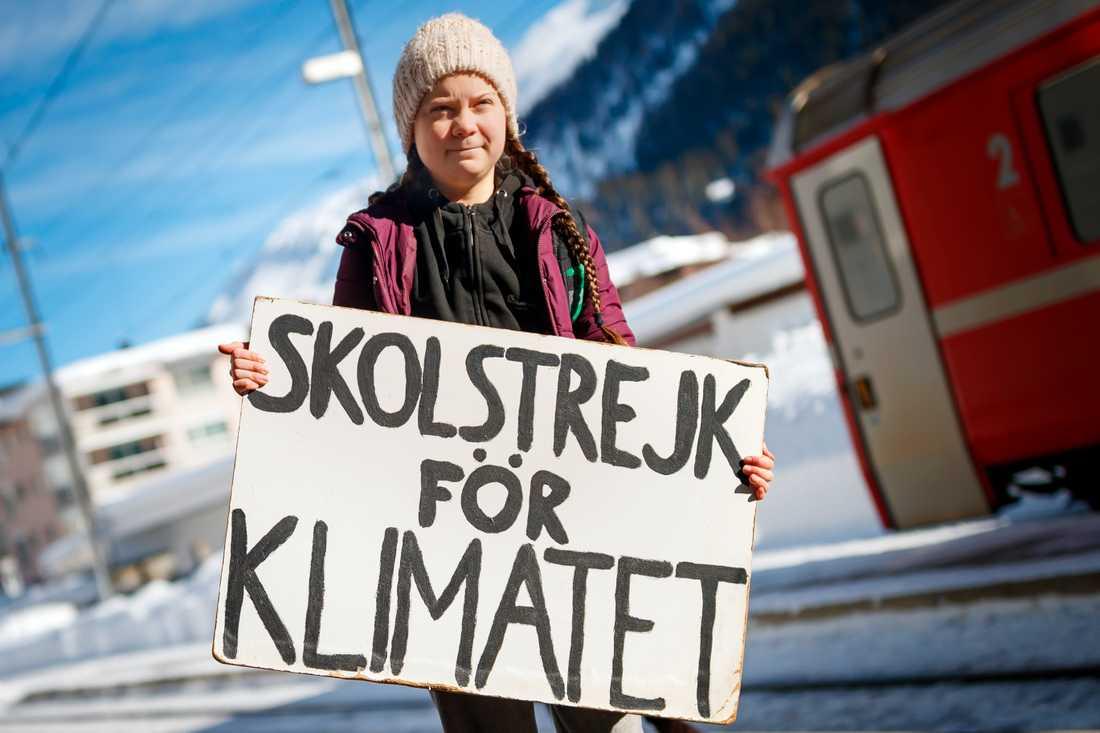 16-åriga Greta Thunberg anländer med tåg till schweiziska Davos i januari i år för att tala under Världsekonomiskt forum. Arkivbild.
