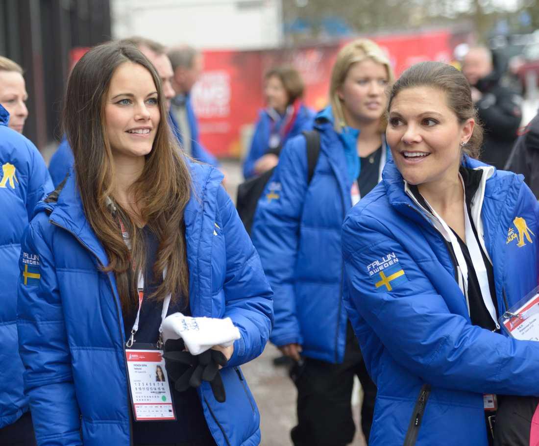 Idrottsintresset har de gemensamt. Under skid-VM i Falun 2015 var Victoria och Sofia självklart på plats.