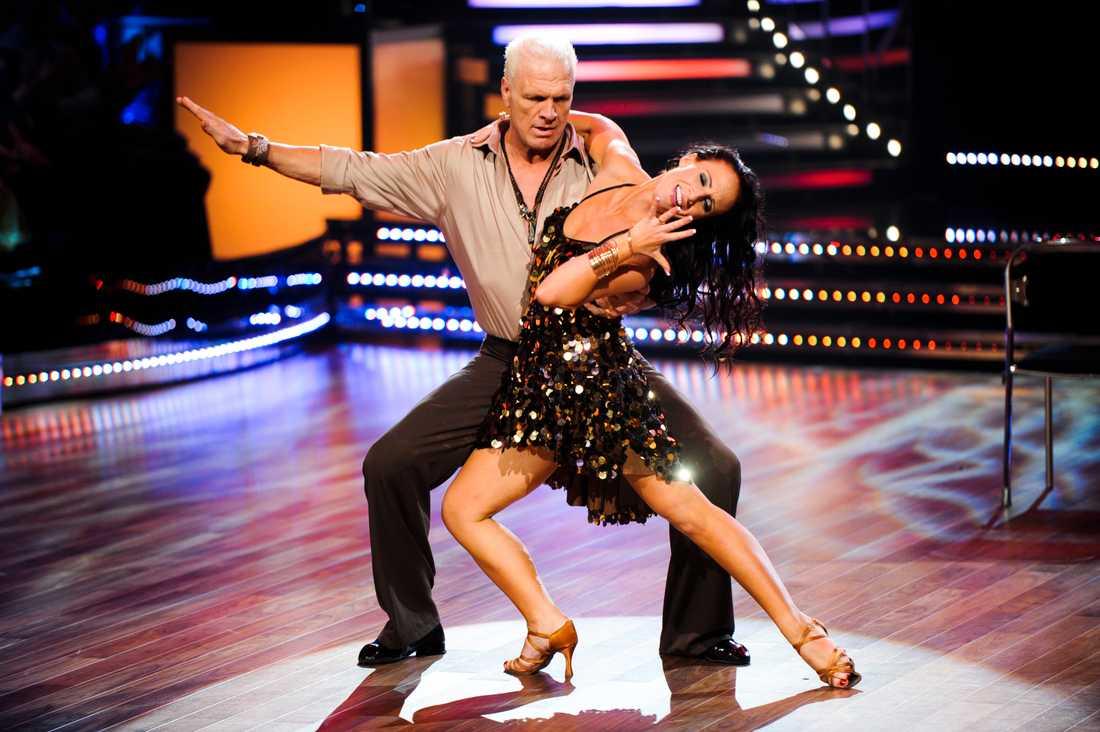 """Frank Andersson dansade ihop med Charlotte Sinclair i """"Let's Dance"""" 2011. Paret var ett av favoritparen i tävlingen och slutade på andra plats."""