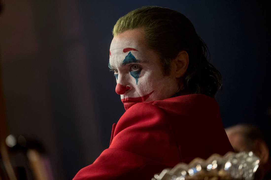 """Joaquin Phoenix spelar Jokern i filmen """"Joker"""". Pressbild."""