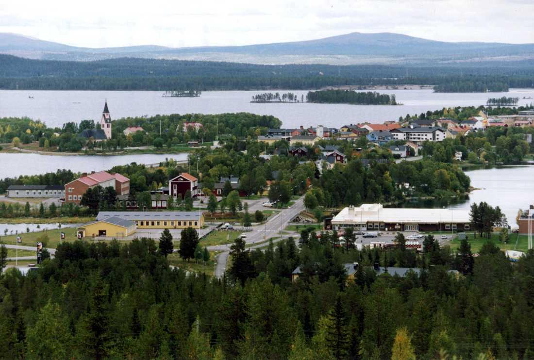 Arjeplogs samhälle. Hela kommunen är 12557 kvadratkilometer stor och har 2801 invånare. Arkivbild.