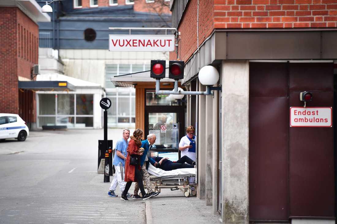 De skadade i attacken på Drottninggatan fördes till flera sjukhus i Stockholm.