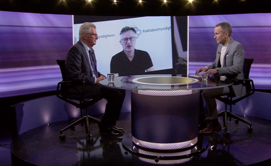 """Johan Giesecke intervjuas av Anders Holmberg i SVT:s """"30 minuter""""."""