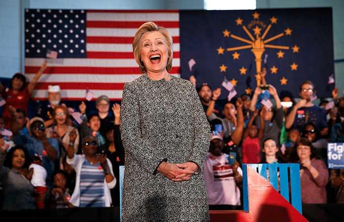 IGNORERAS Vinner Hillary Clinton presidentvalet beror det på att hon ser de amerikanska kvinnorna. Och det faktum att hennes motståndare Donald Trump helt har struntat i den politiska styrka som finns hos halva jordens befolkning.