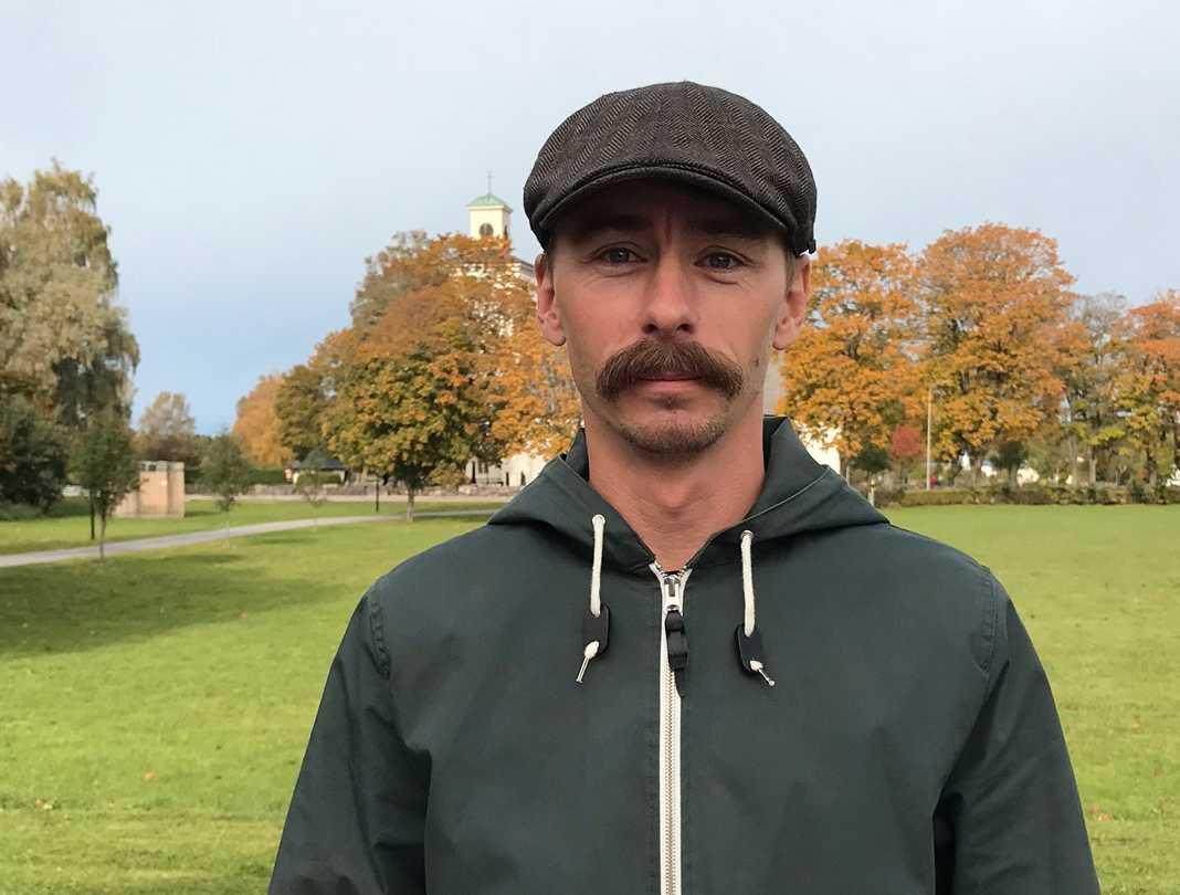 Andreas Lindblad är fastighet- och kyrkogårdschef vid Amnehärad-Lyrestads pastorat.