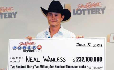 Nael Wanless, 23, heter North Dakotas miljardvinnare. Han lovar att han inte ska slösa bort pengarna. Foto: Scanpix