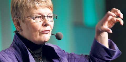 FAMLAR EFTER VÄLJARNA? Jämfört med valet 2006 har Maud Olofssons parti tappat fyra procentenheter i väljarstöd. Det kan skyllas på en anonym roll vid sidan av Moderaterna, men också på en kritiserad brist på hållning.