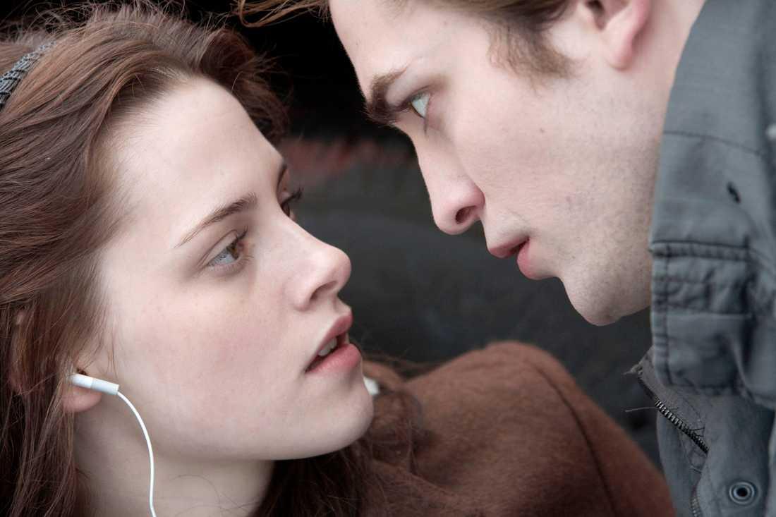 """Forna paret Kristen Stewart och Robert Pattinson i """"Twilight""""."""
