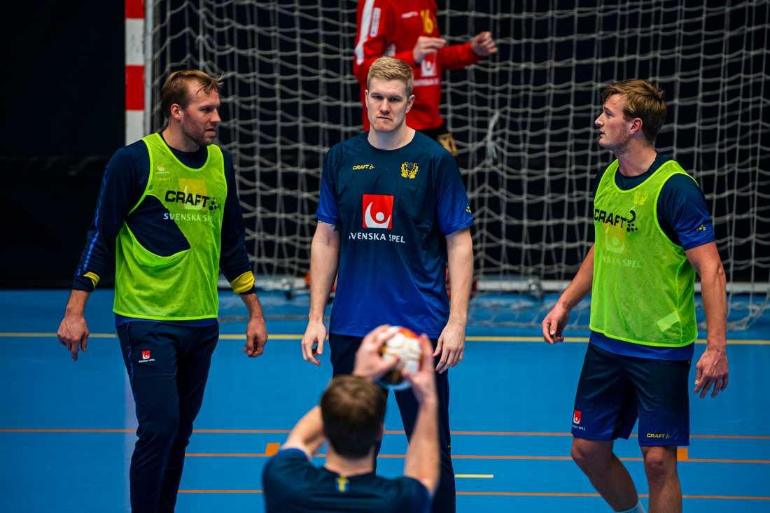 Anton Lindskog (mitten) och herrlandslaget har samlats i Eskilstuna.