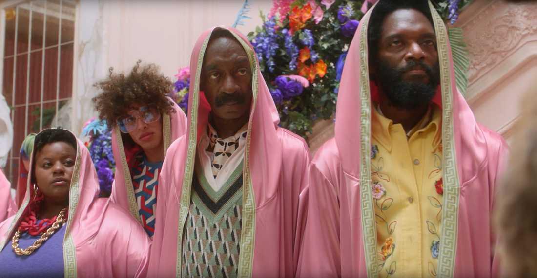 Snoop Doggs pappa Vernell Varnado medverkar i reklamfilmen.