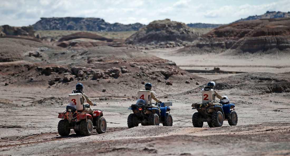Resor till Mars planeras inom ett par decennier. På bilden en övning i öknen i Utah, USA, ett område som anses likna förhållandena på den röda planeten. Arkivbild.