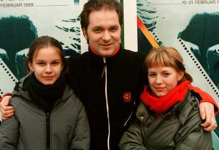 Rebecca Liljegren, Lukas Moodysson och Alexandra Dahlström i Tyskland för att sälja Fucking Åmål.