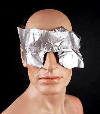 Under fem dygn hade Erik Westerberg ögonen igentejpade med silvertejp.