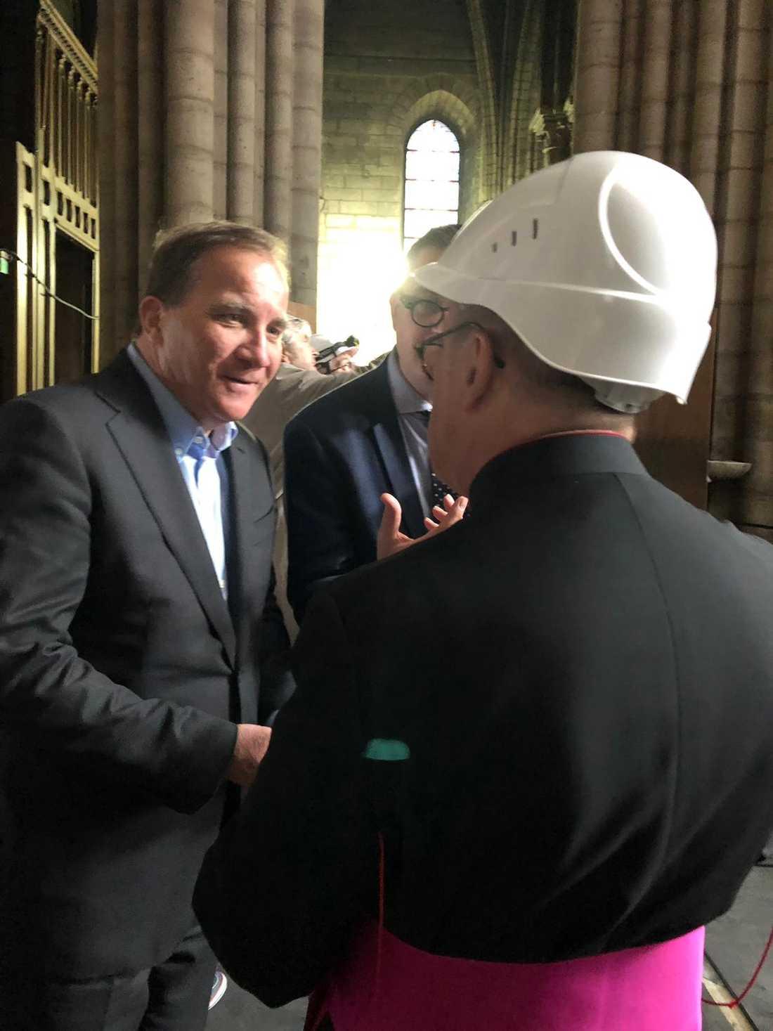 Svenska företag har samlat ihop pengar för återuppbyggnaden av den katedralen.