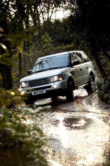 Nya Range Rover Sport erbjuder rask harmonisk körning, men utan sportkänsla.