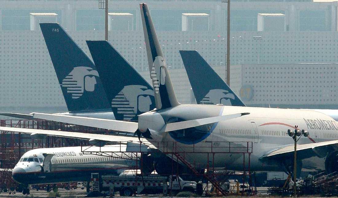 Alla de ertappade var anställda på Mexikos största flygbolag Aeromexico.
