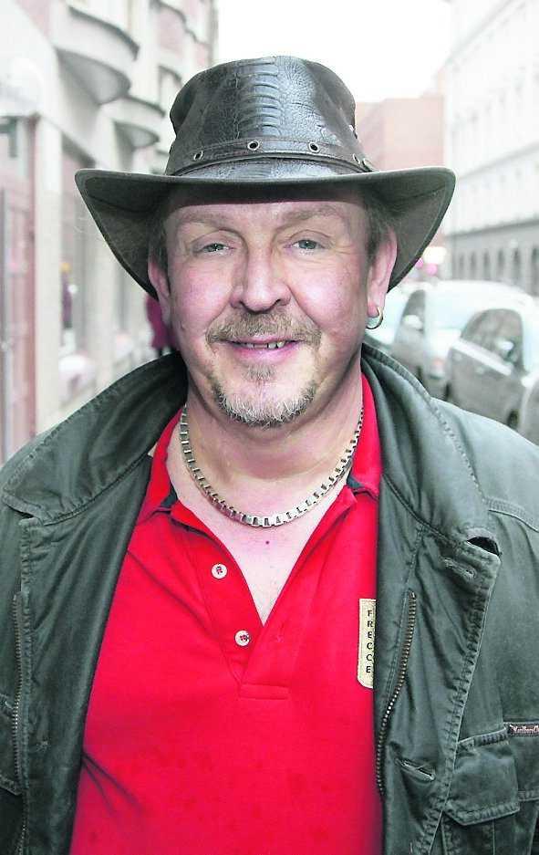 Olle Jönsson, sångare i Lasse Stefanz.