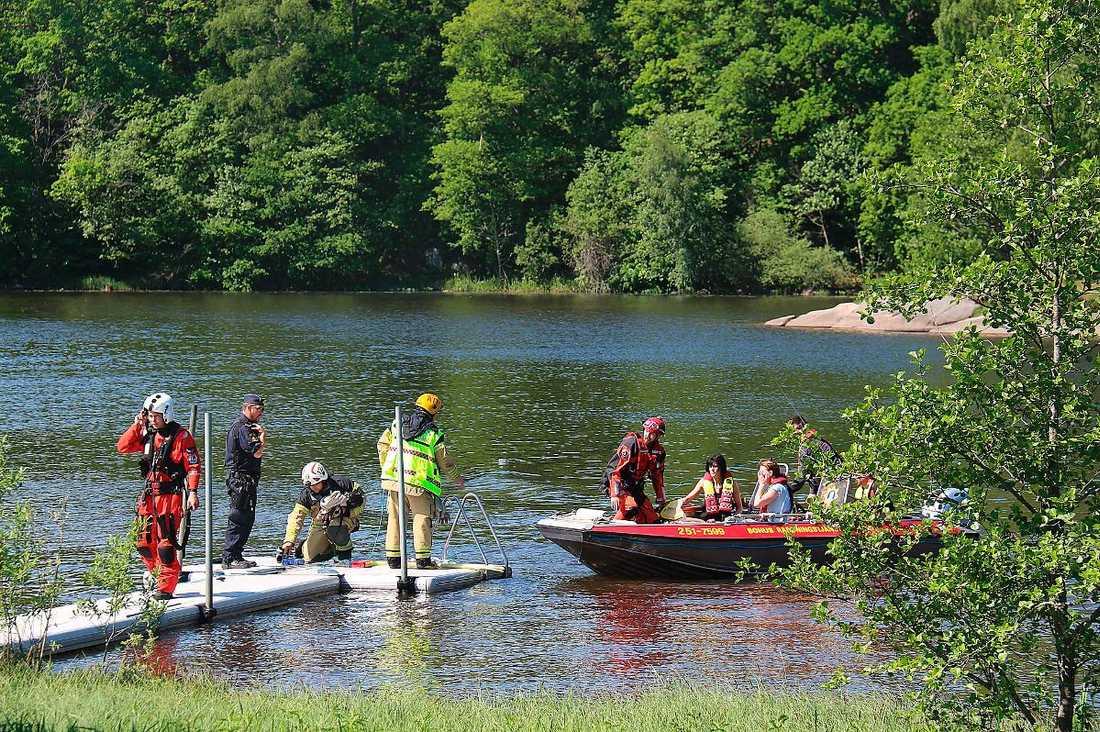 Tragisk olycka 61 svenskar har drunknat hittills i år, vilket är fler än någonsin förut. I juni hittades en pojke i 15-årsåldern livlös i vattnet under en skolutflykt vid Hälltorpssjön i Ale kommun. Pojken fördes till sjukhus men hans liv gick inte att rädda.