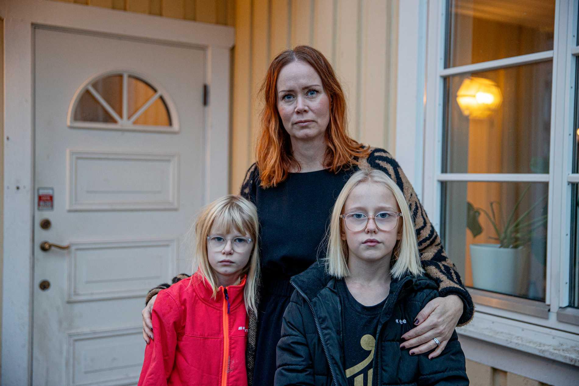 Tvillingarna Molly och Nora har varit sjuka sedan mars. Nora ingår i en fallstudie om barn som sannolikt är långtidssjuka i covid-19.