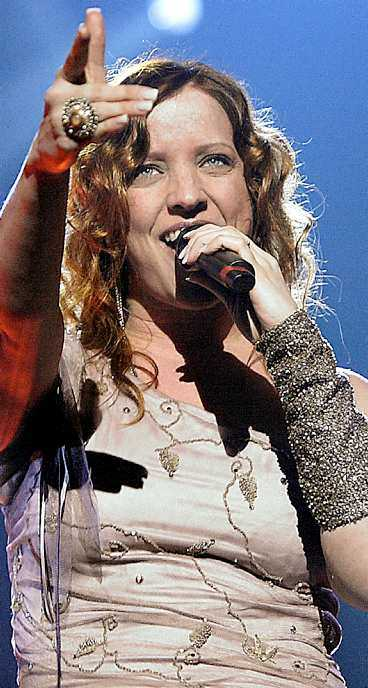 """HÅRD KONKURRENS Shirley Clamp åker tillsammans med bland andra Petra Nielsen i """"Melodifestivalen på turné"""". Samtidigt drar """"Diggiloo"""" ut på vägarna."""