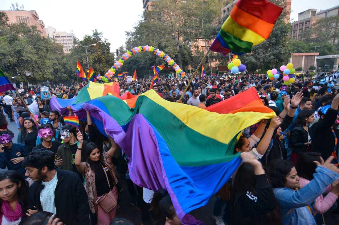 En prideparad i New Delhi i Indien i fjol – samma år som landets högsta domstol avkriminaliserade homosexualitet.