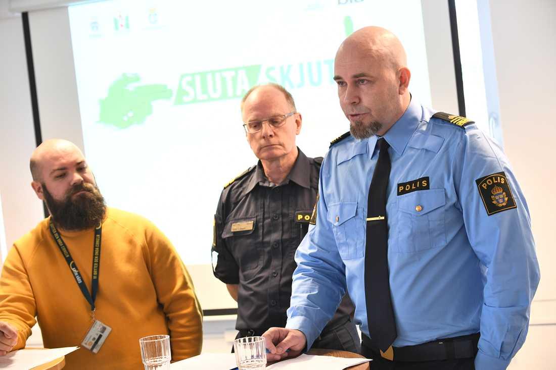 Jonas Karlberg, polisen, gruppchef vid Grova brott i Malmö, under en pressträff om satsningen Sluta skjut hos Polisen i Malmö.