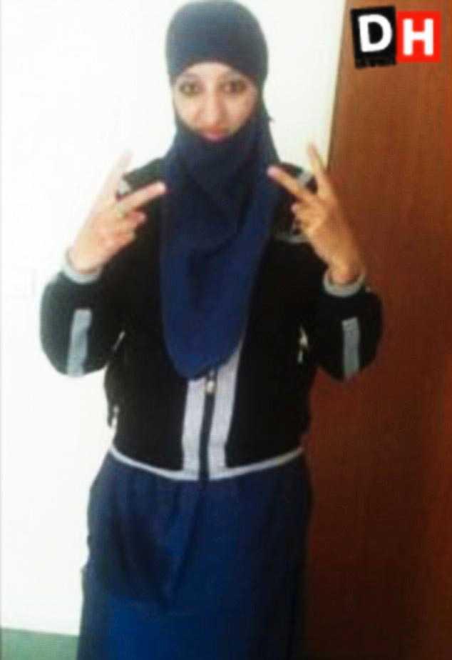 Kvinnan som sprängde sig själv till döds under insatsen uppges vara Hasna Aitboulahcen, 26, kusin till Abdelhamid Abbaoud.
