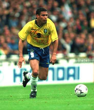 I Brasiliens gula tröja har Ronaldo noterats för 97 landskamper och totalt 62 mål. Världsklass.