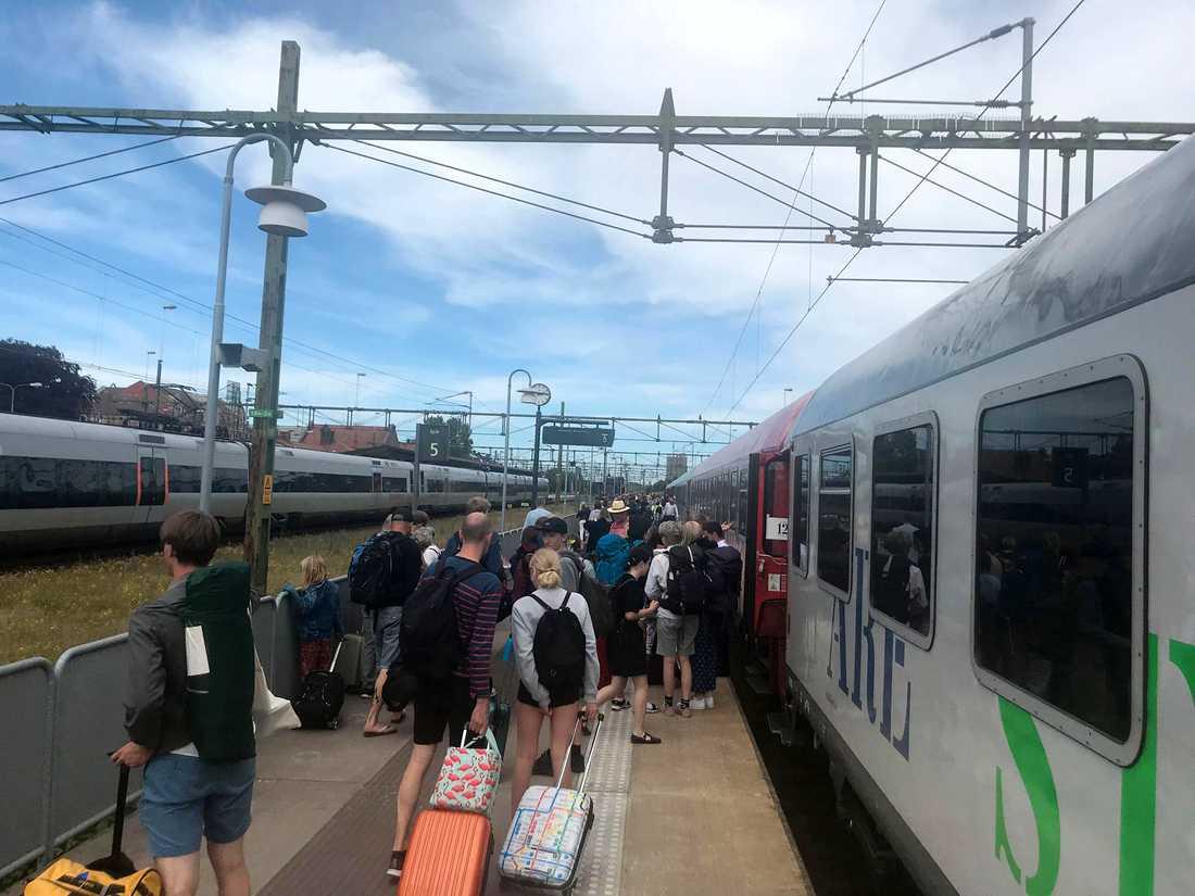 Stillastående tåg i Eslöv.