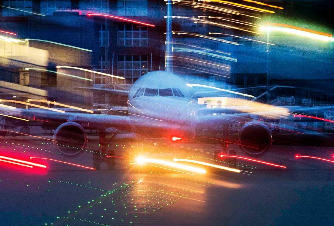 Ett flygplan på flygplatsen i Frankfurt under helgen. Arkivbild.