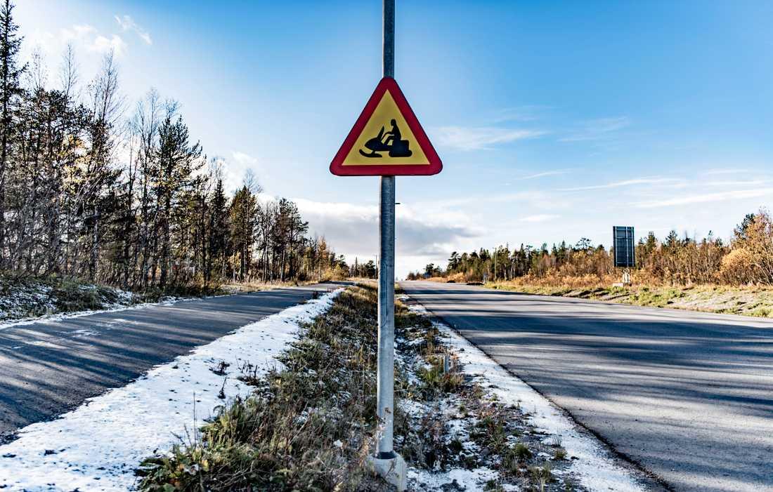 Flera som vi möter i Kiruna pratar om att vintrarna blivit kortare, och att snösmältningen kommer tidigare.