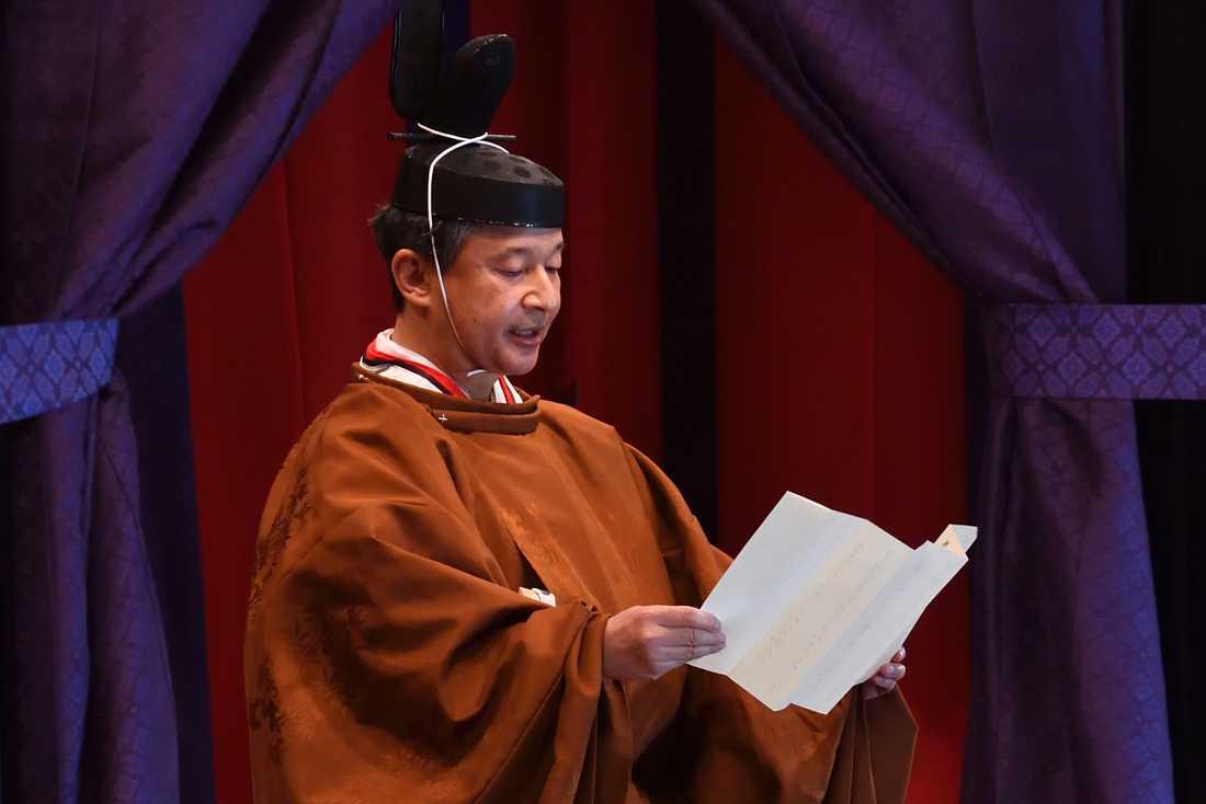 Kejsar Naruhito tog formellt över tronen redan den 1 maj i år.