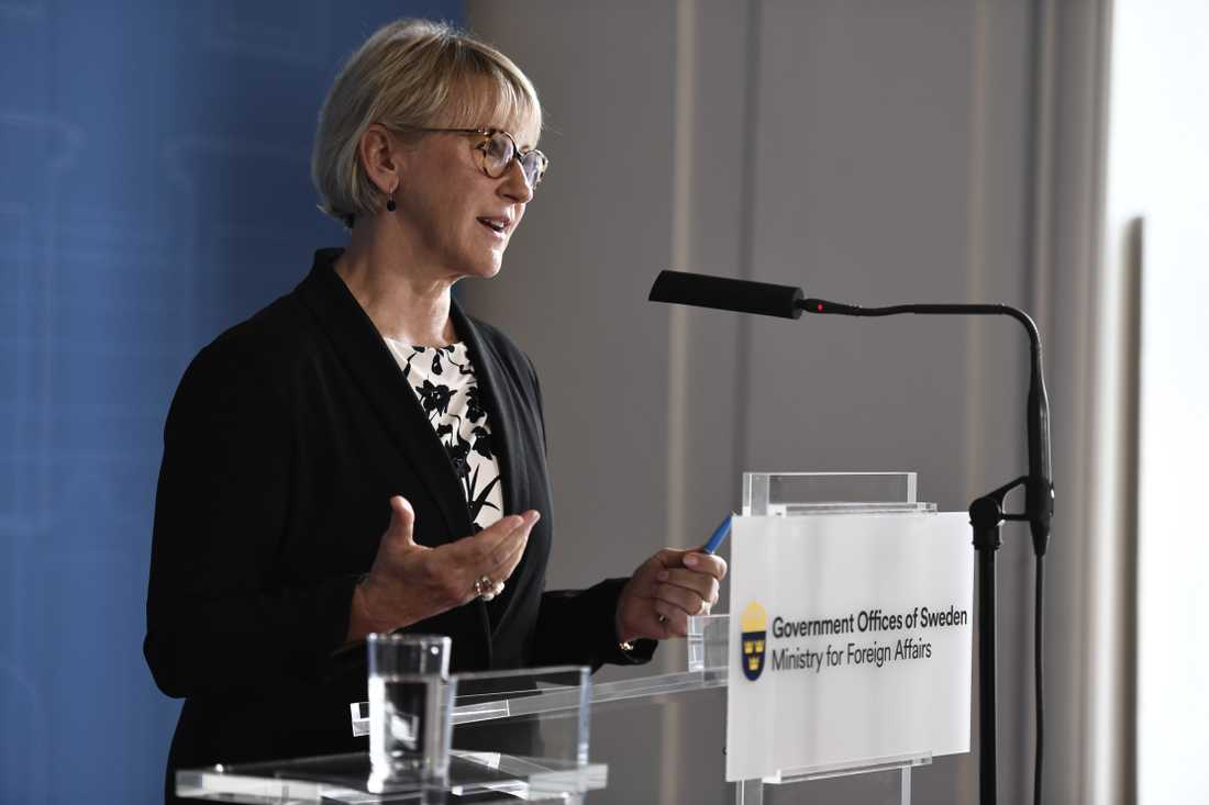 Margot Wallström håller pressträff