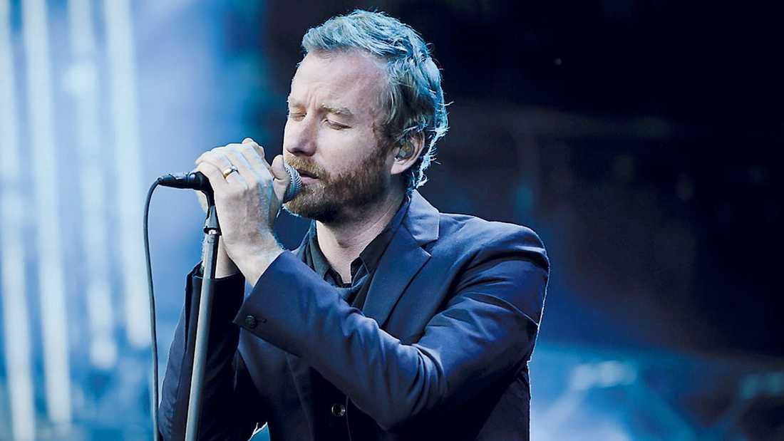 The National får, utan större problem, publiken att sjunga allsång, men musiken blir aldrig så hotfull och nervladdad som den kanske förtjänar.