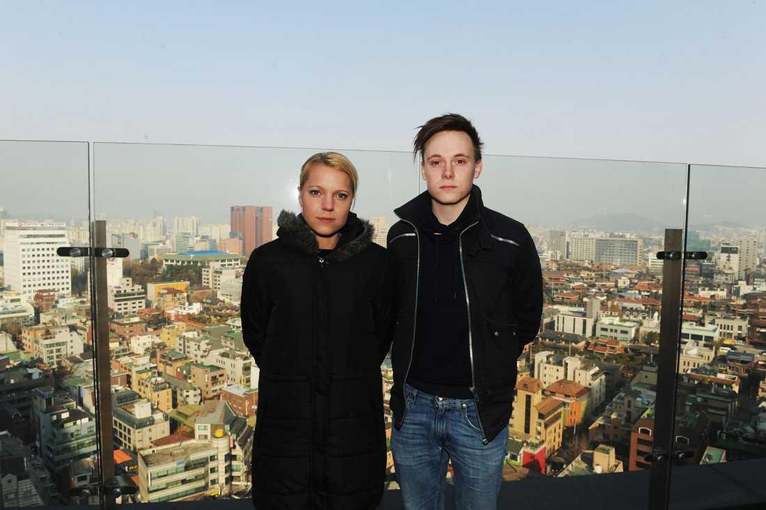 Aftonbladets Carina Bergfeldt och Pontus Orre på plats i Sydkoreas huvudstad Seoul.