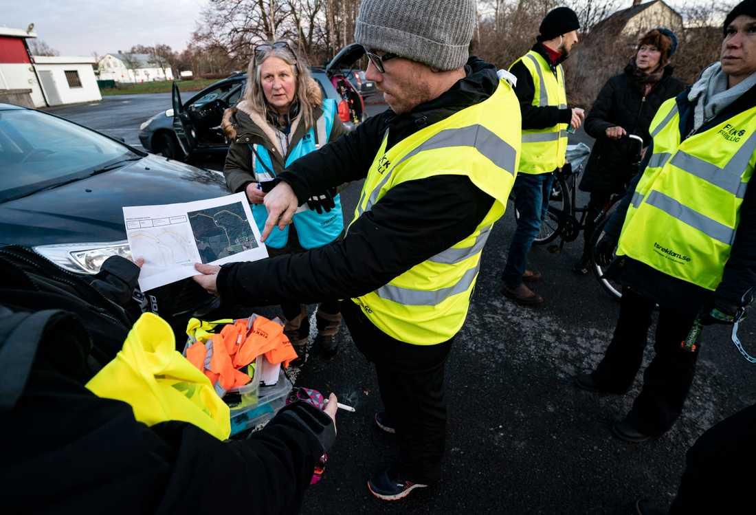 Sökandet efter den 20-åriga kvinnan görs i sektorer som frivilligorganisationen Fikk får sig tilldelad av polisen.