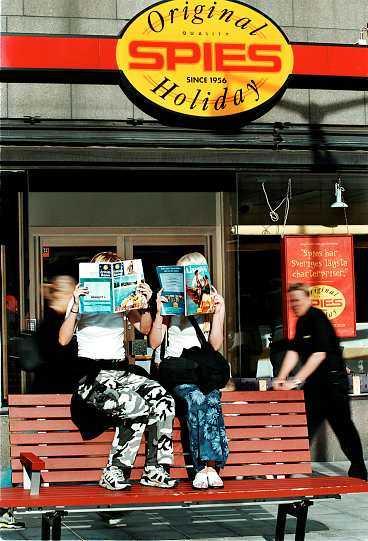 SÄLJER INTE LÄNGRE Nu räcker inte Spies skandalomsusade historia för att sälja resor längre. Därför läggs bolaget ner i Sverige.
