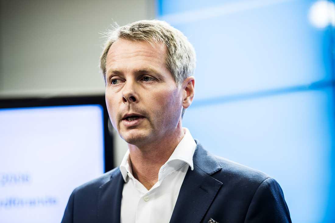 Christer Nylander (L).