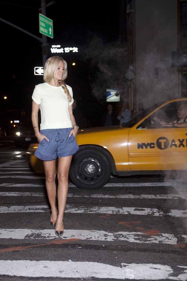Topp - H&M, Shorts - Zara, Skor - garderobsfynd.