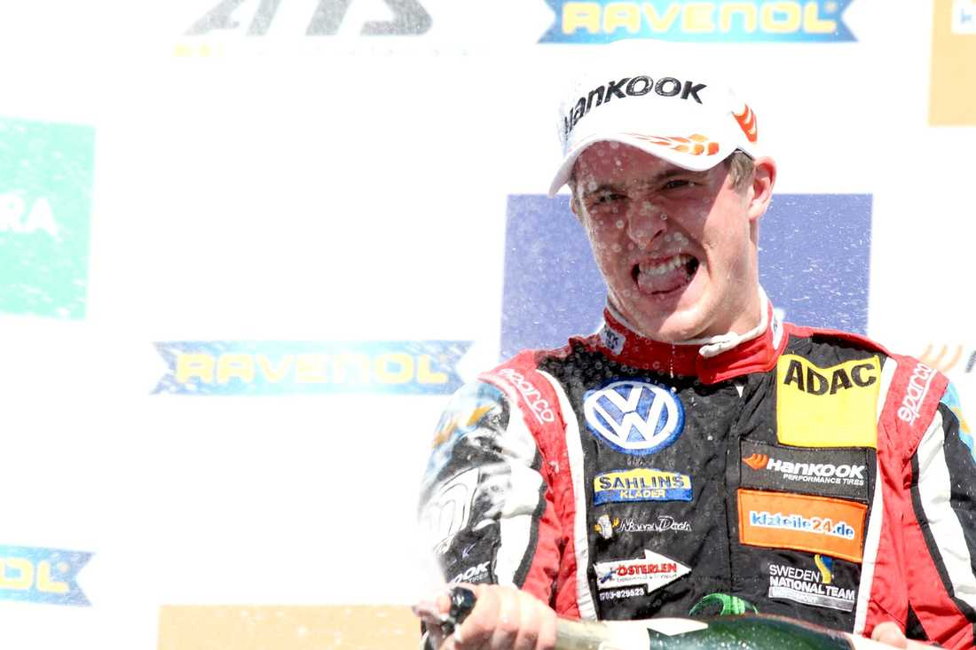 Joel Eriksson tog tredje raka segern.