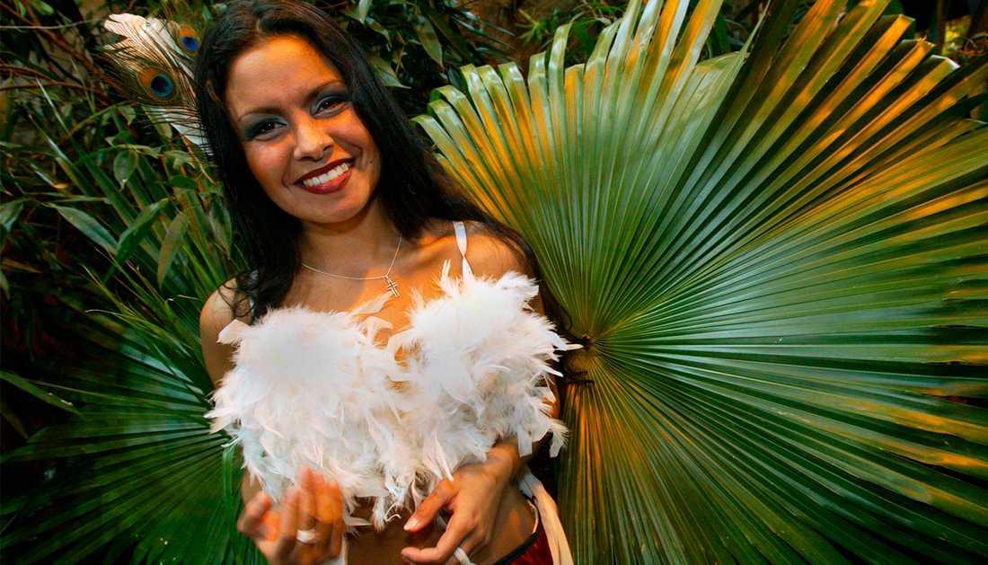 Javiera Muñoz inför Melodifestivalen 2002.