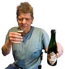 Älskar öl Jarle Gerde gillar världens dyraste öl, men tycker att det är för... ja, just det dyrt.