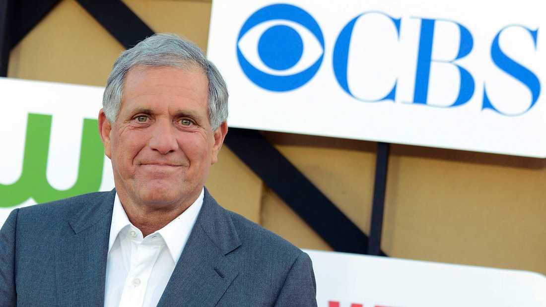 CBS-chefen Leslie Moonves anklagas av sex kvinnor för trakasserier.