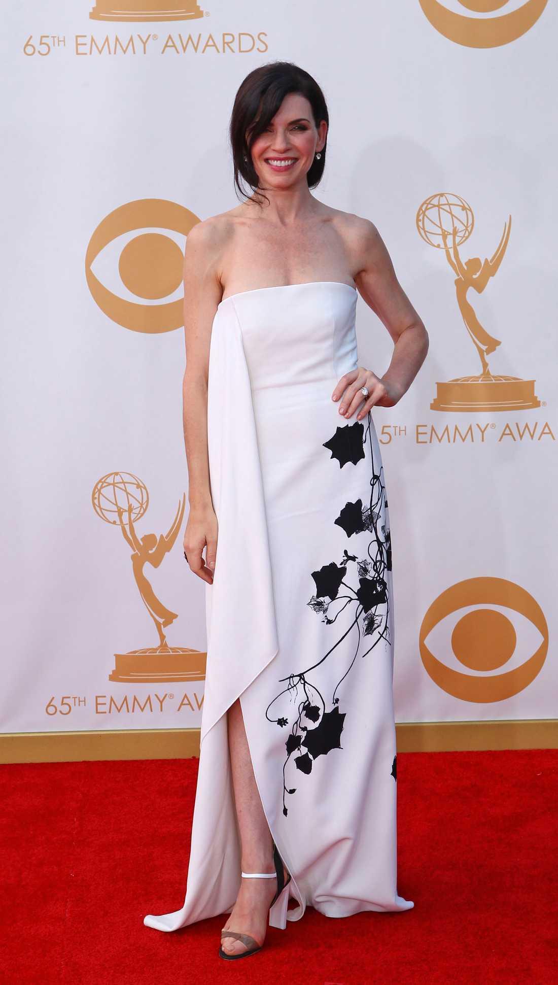 Julianna Margulies Reed Krakoff står bakom Julianna Margulies annorlunda klänning.