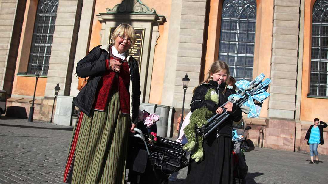 Kajsa, 7, och farmor Kristina Masgård, 63, fick inte stanna kvar vid Storkyrkan.