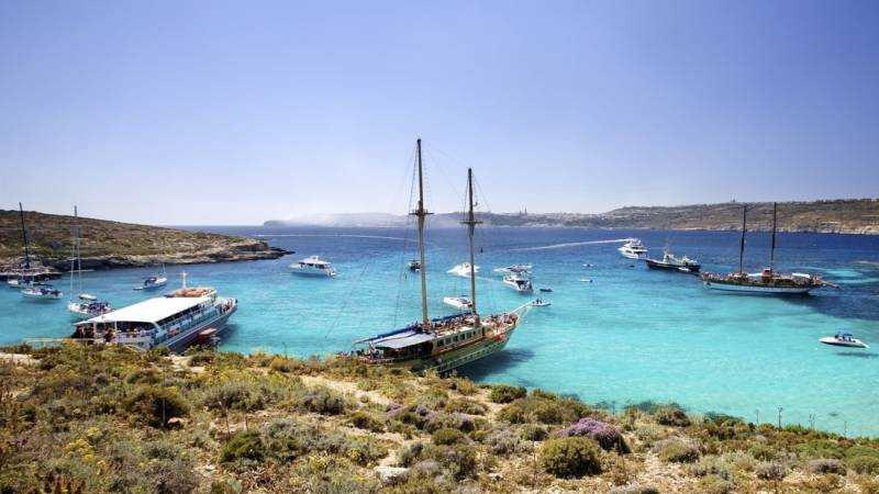 Karibien eller Malta? Ön Comino med Blue Lagoon har ett kristallklart vatten i världsklass.