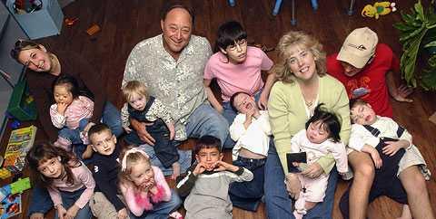 Tragedi Familjen Billings hade 12 adopterade och 4 biologiska barn. Nio av dem var hemma under den fruktansvärda kvällen.