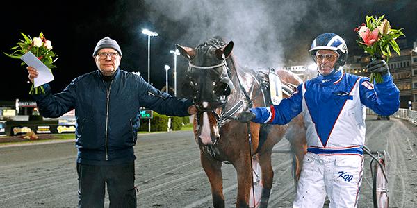 Stellan Tidelius och Kaj Widell i vinnarcirkeln